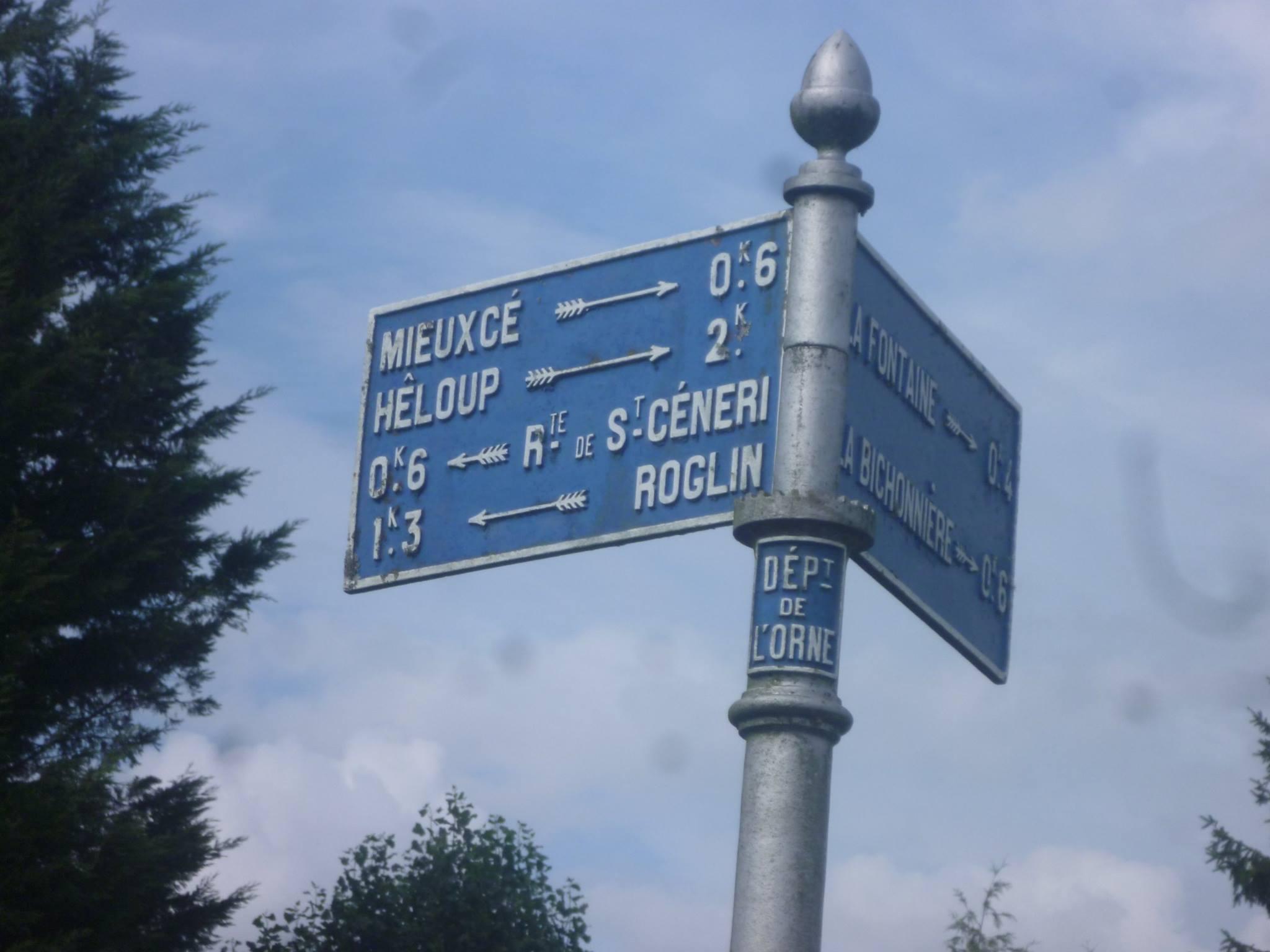 Zone 61 - Mieuxcé - Plaque de cocher - Mieuxcé - Hêloup - Route de Saint Céneri - Roglin (Gwéna Tireau)