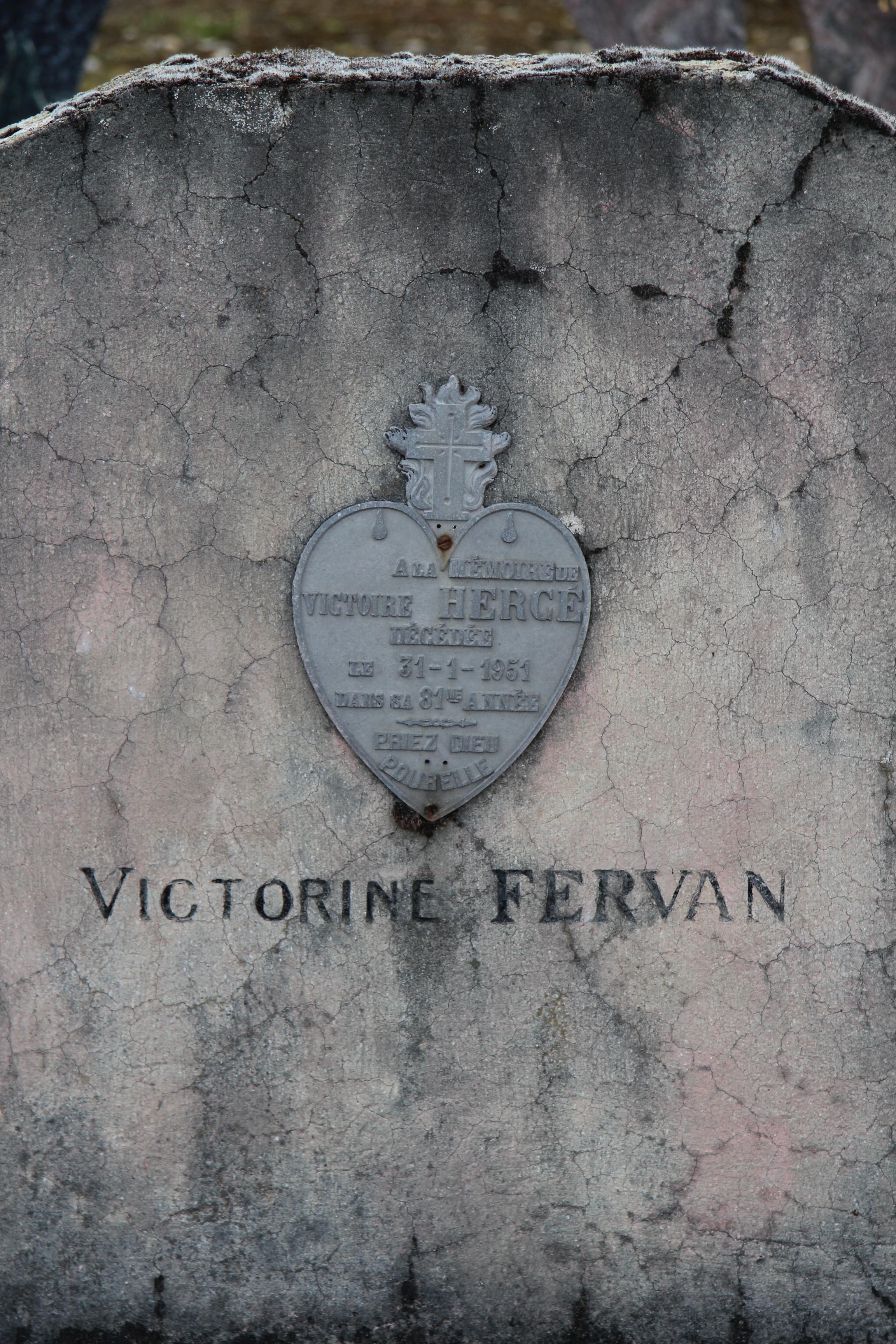 Auvers sous Montfaucon - Cimetière - HERGE Victoire - FERVAN Victorine 04 (Sylvie Leveau)