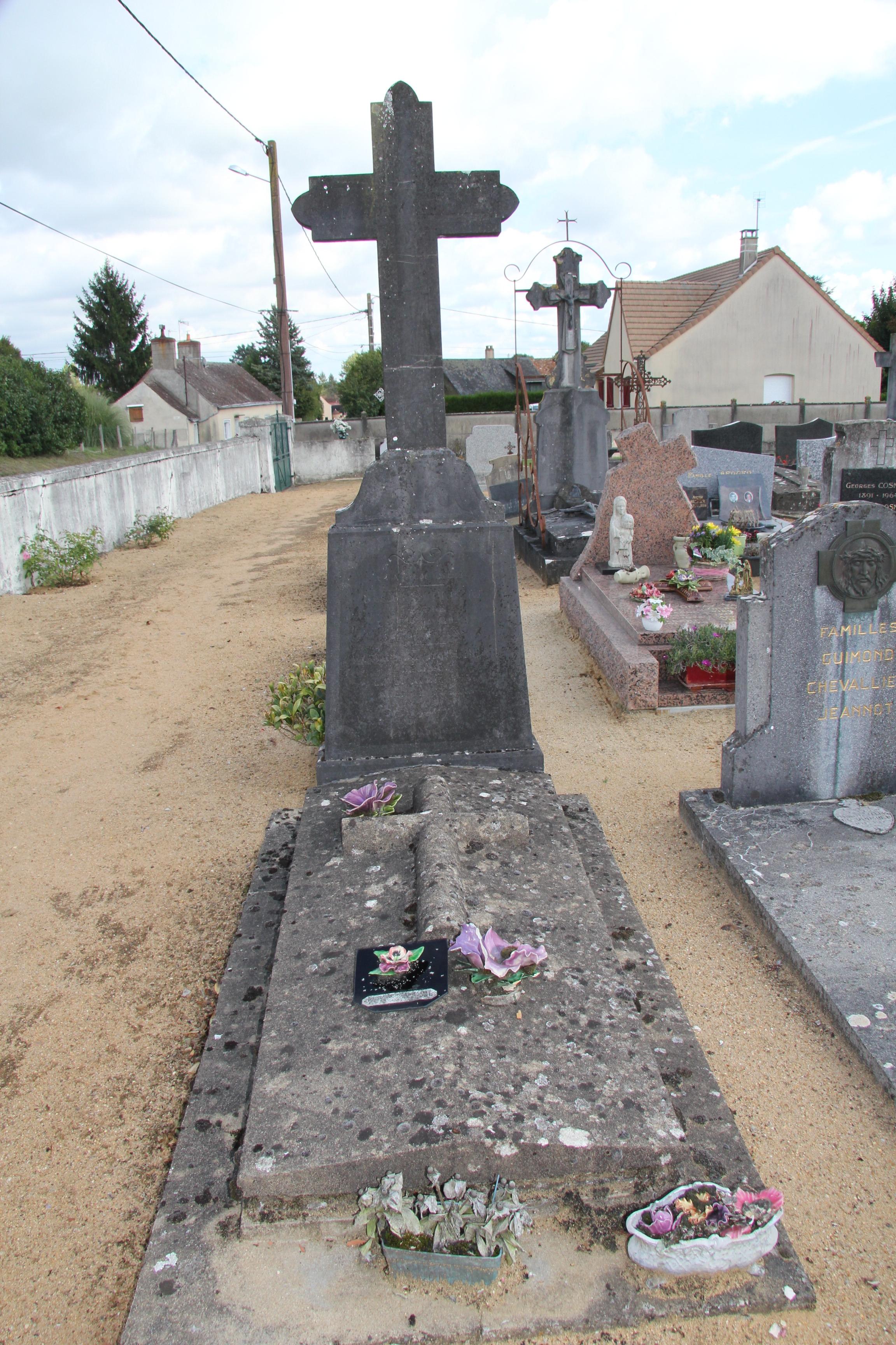 Auvers sous Montfaucon - Cimetière - HOULBERT Désiré et Clémentine 01 (Sylvie Leveau)