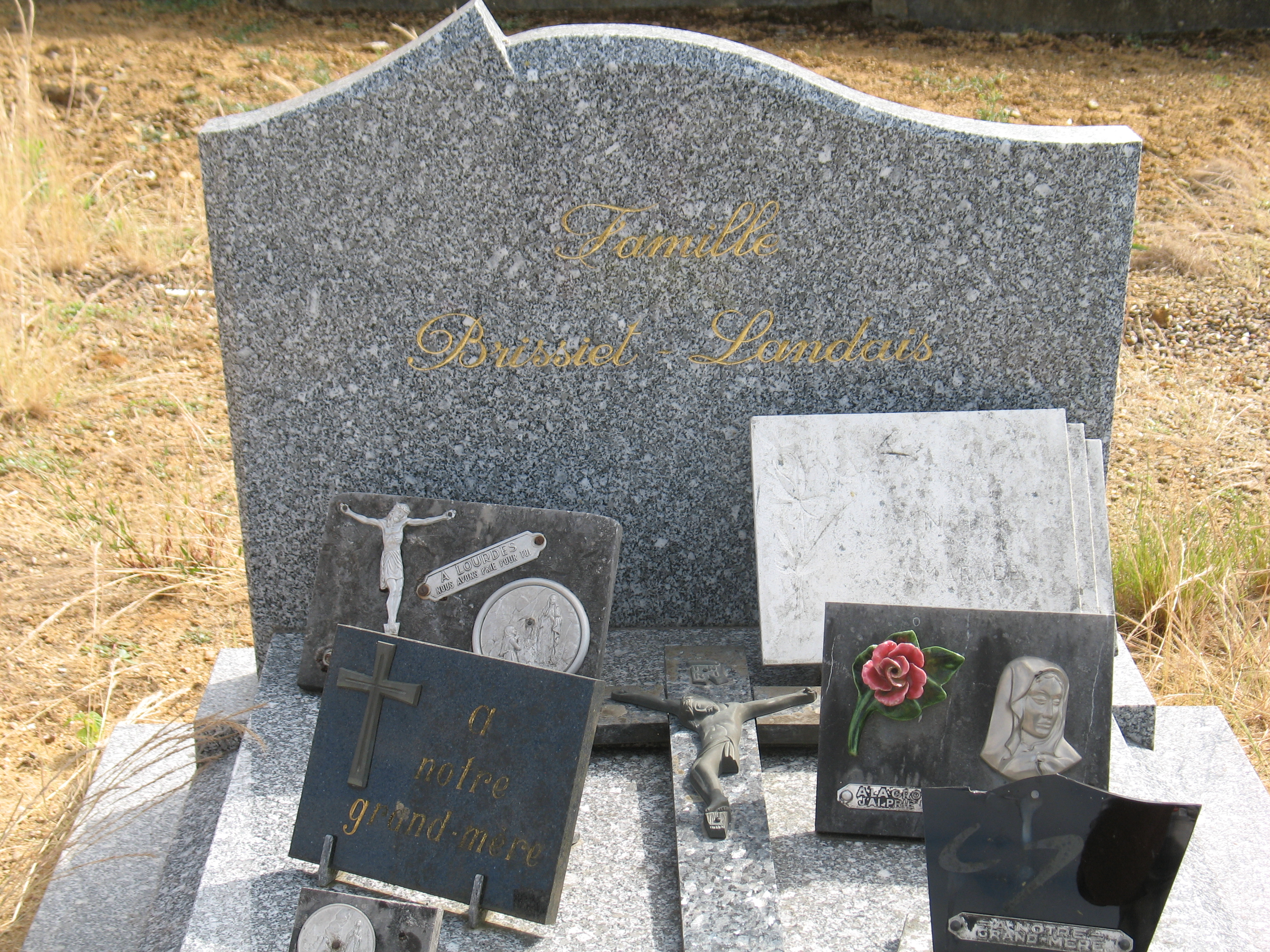 Chemiré en Charnie - Cimetière - Famille BRISSIET-LANDAIS 02 (Sylvie Leveau)