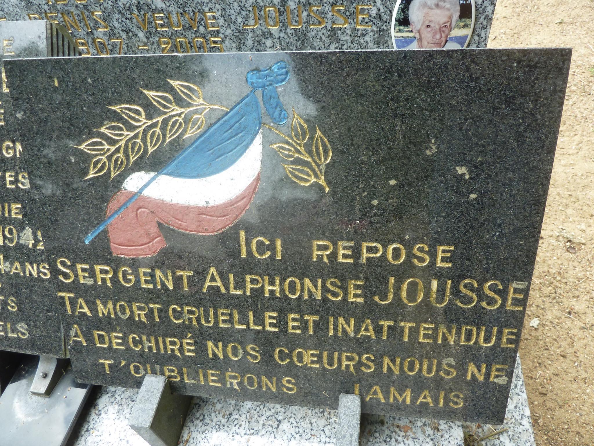 Clermont Créans - Cimetière - Famille JOUSSE-DENIS - JOUSSE Maxime - JOUSSE Marie - JOUSSE  Alphonse et DENIS Marie 06 (Loïc Prémartin)
