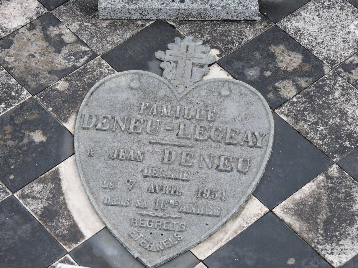 Le Grand Lucé - Cimetière - Famille DENEU-LEGEAY - DENEU Jean (Chantale Vieux)