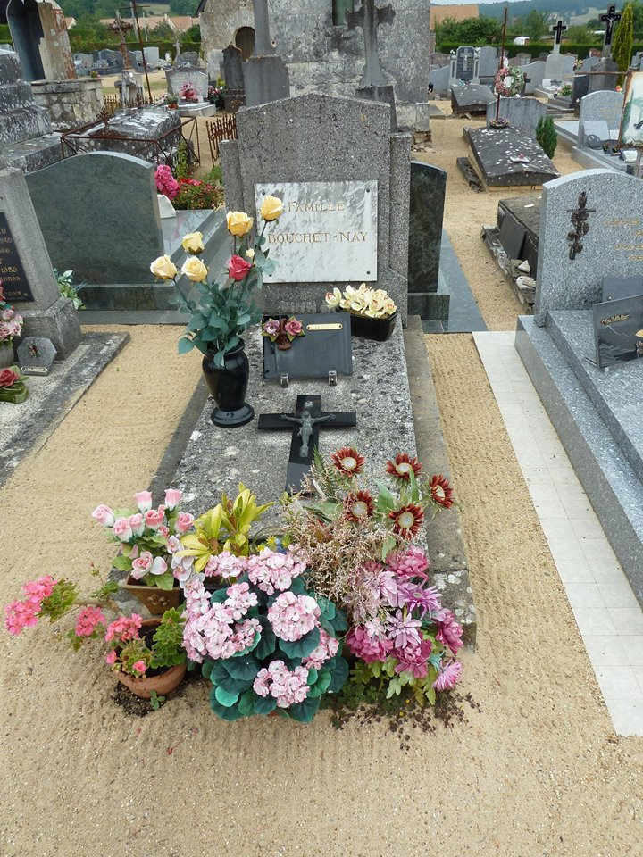 Mareil sur Loir - Cimetière - Famille BOUCHET-NAY 01 (Loïc Prémartin)