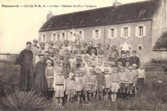 Le Mans - Groupes - Colonies et scouts - LEBRETON Michel - Colonie avec les curés de l'église de Saint Pavin - Vers 1932 (Françoise Lebreton)