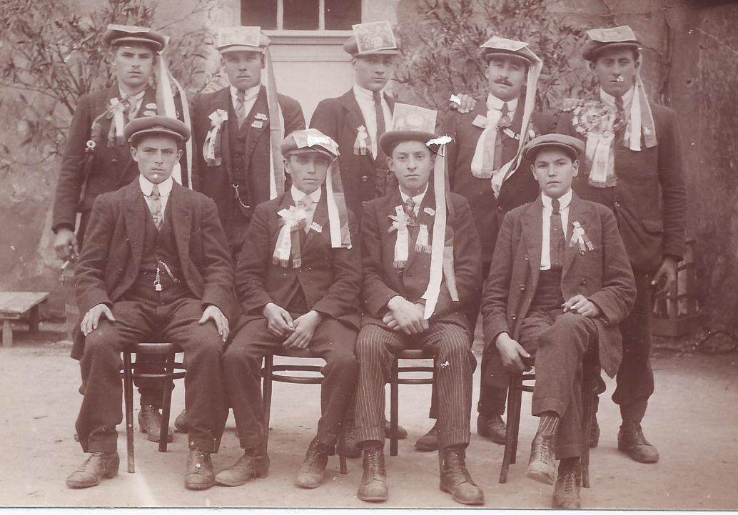 Avoise - Militaires - Conscrits - GARREAU Maurice au 2nd rang le 2nd à droite - Mon beau père - Classe 1924 (Marie-Noëlle Garreau)