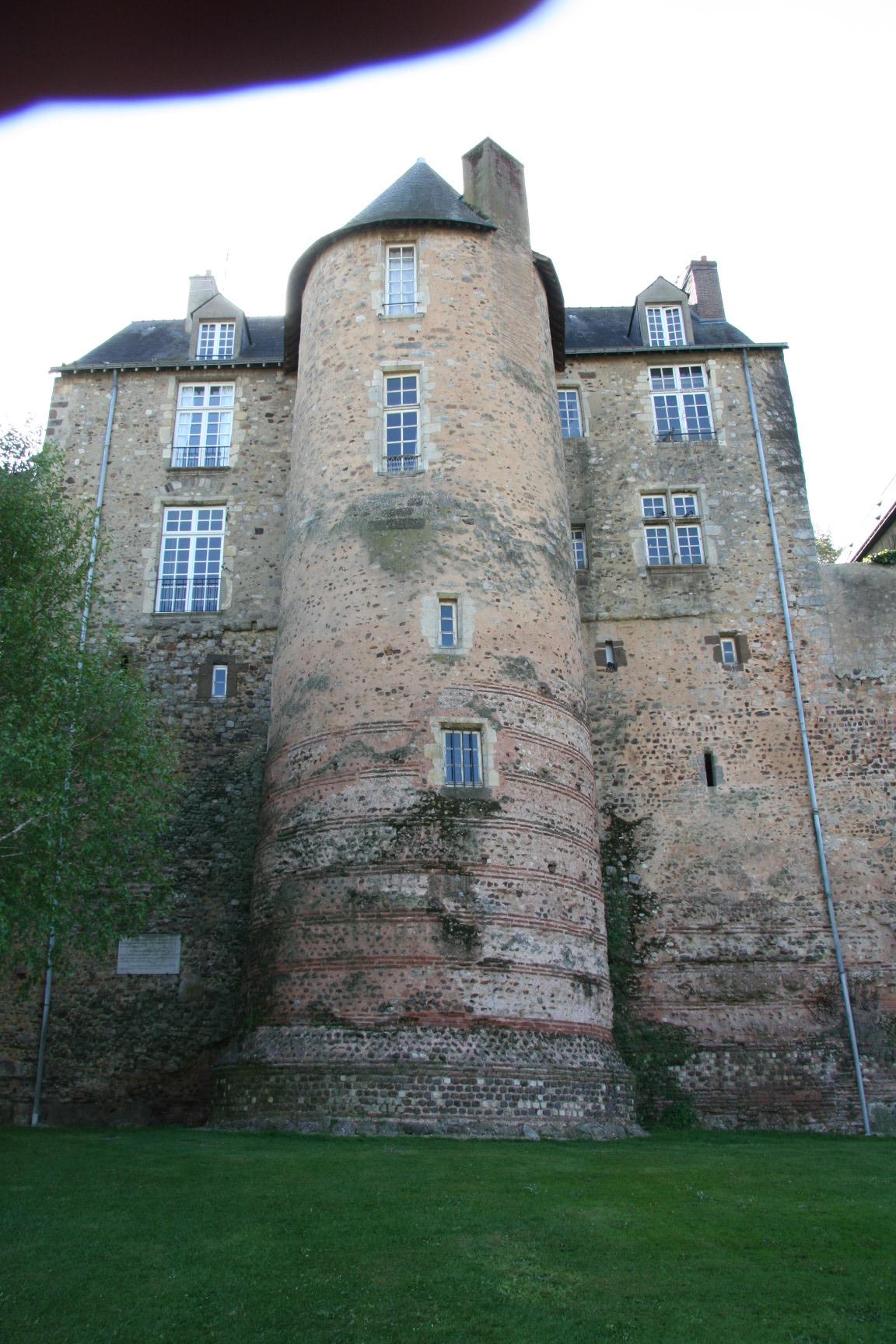Le Vieux Mans en 2010 - L'enceinte romaine - Muraille 09 - Rue Saint Hilaire - Tour de Tucé (Sylvie Leveau)
