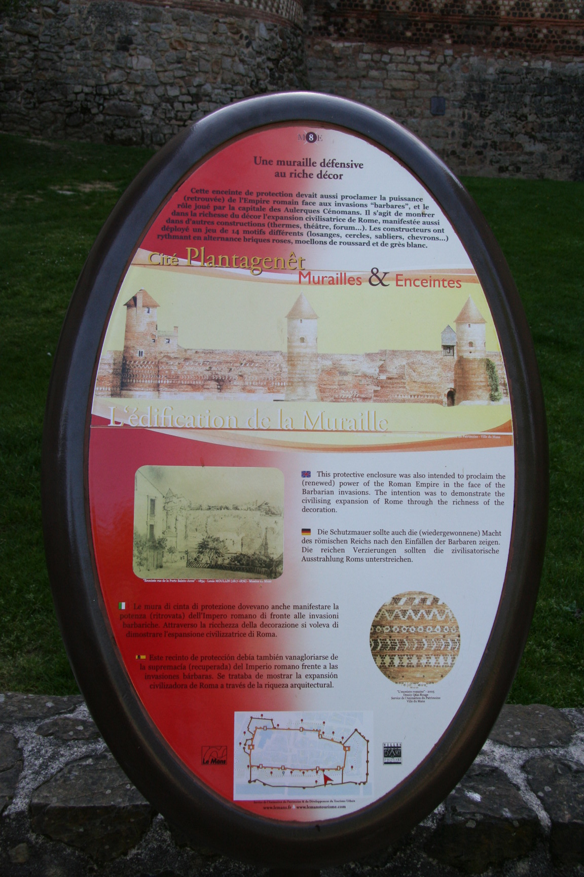 Le Vieux Mans en 2010 - L'enceinte romaine - Muraille 17 - L'édification de la Muraille (Sylvie Leveau)