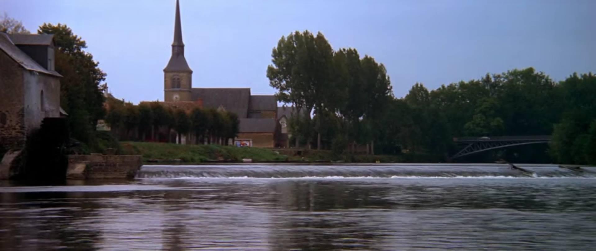 Fillé - Le pont sur la Sarthe - Le tout début du film « Le Mans » avec Steeve Mc Queen (Philippe Gondard)