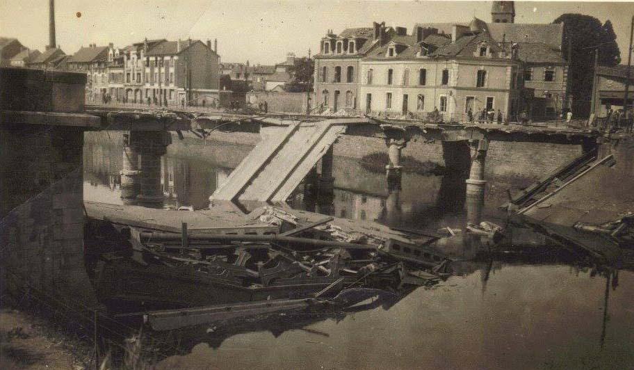 Le Mans - Destruction du Pont en X - Vue prise du Quai Louis Blanc (Françoise Lebreton)