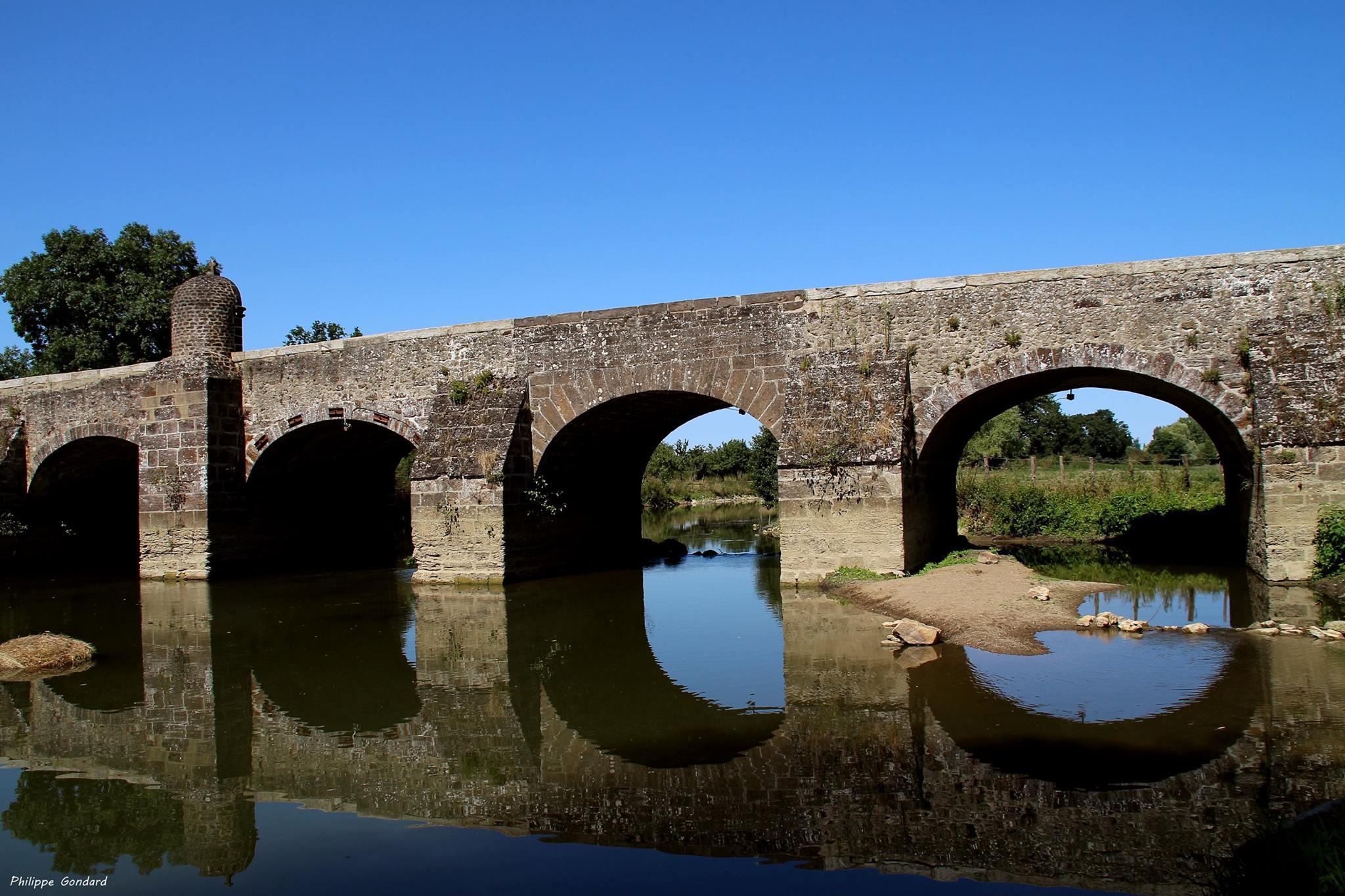 Saint Marceau - Pont daté du XVIIème siècle (Philippe Gondard)