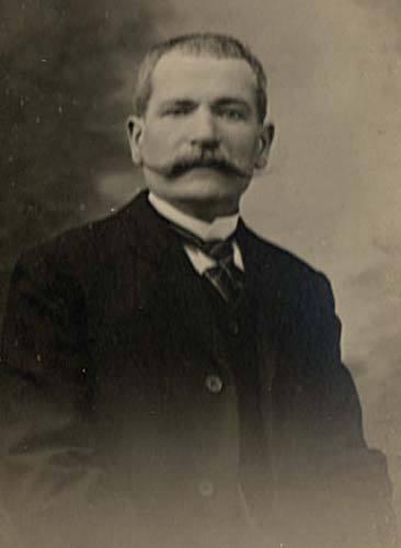 Auvers sous Montfaucon - Portraits - DORE Ernest, Louis épou HUART Augustine, Clémentine - Mon arrière arrière grand père (Sylvie Leveau)