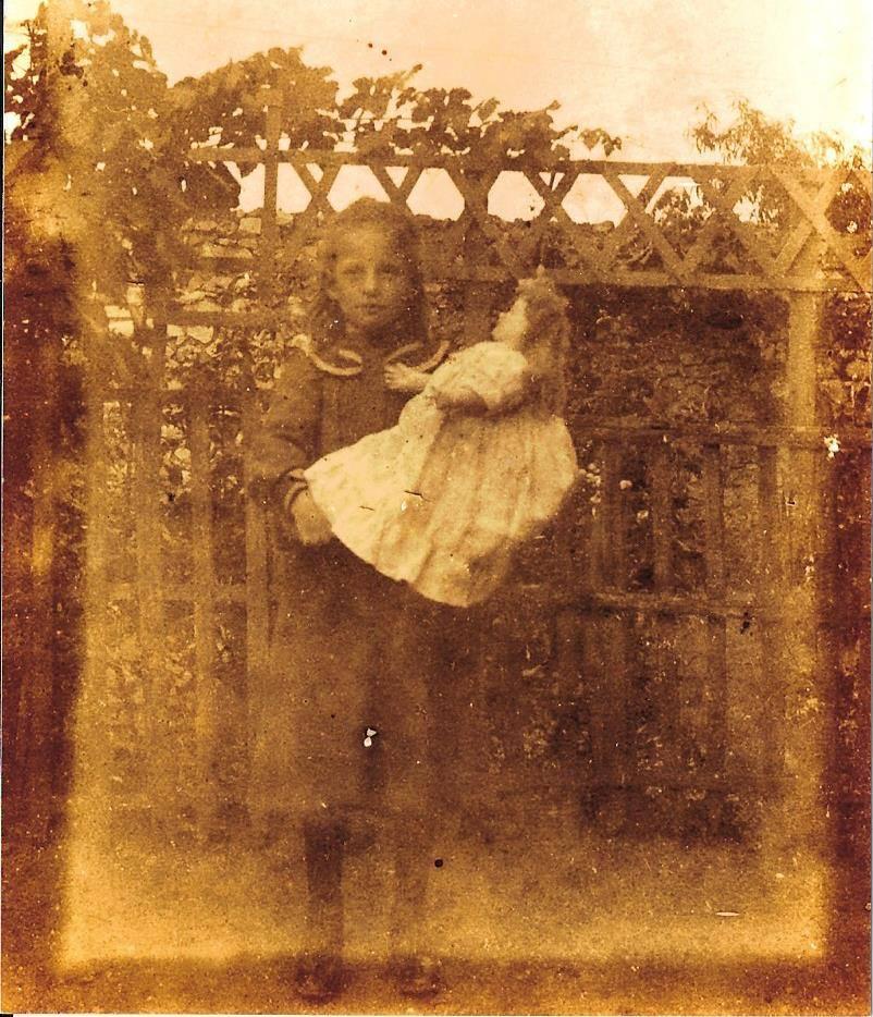 Portraits - BEAUMONT Renée - Ma grand mère maternelle (Josy Bmargherite)