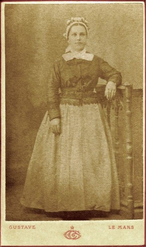 Portraits - BOULAY Augustine, fille de BOULAY Pierre, Louis et CABARET Françoise, Marie 01 (Romain Christopher Guillaume Lépine)