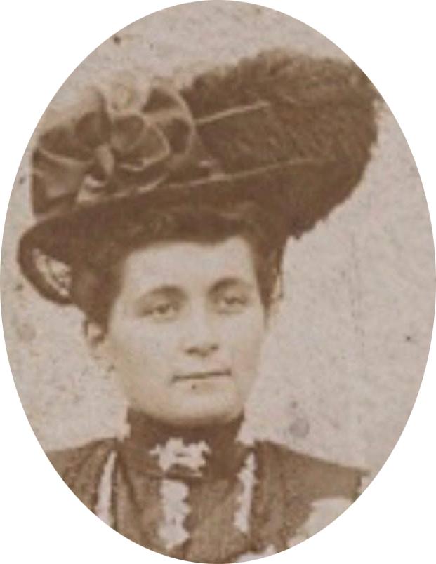 Portraits - FISSON Marie-Louise épouse DORE Gustave, Emile - Née le 28 juillet 1885 à Auvers sous Montfaucon - Décédée le 11 juillet 1942 à Auvers sous Montfaucon - Mon arrière grand mère (Sylvie Leveau)