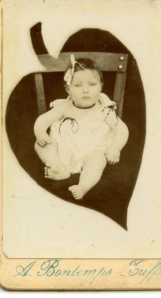 Portraits - Inconnue - Photo trouvée dans un album de famille AUBIER-PELTIER d'après le vendeur 01 (Sylvie Leveau - Delcampe)