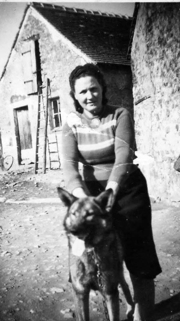 Portraits - LEGO Germaine épouse JOUANNEAU René - Ma grand mère 01 (Nicole Jouanneau)