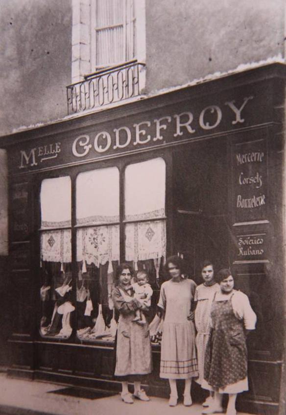La Flèche - Commerce - Mercerie Melle GODEFROY - Corsets, bonneterie, soieries, rubans (Loïc Prémartin)