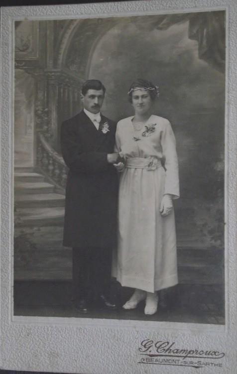 Beaumont sur Sarthe - Couples et familles - Couple inconnu - Vers 1910 (Sylvie Leveau)