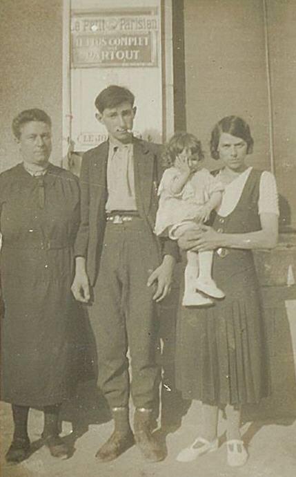 Couples et familles - FISSON Angèle à gauche (Sylvie Leveau)