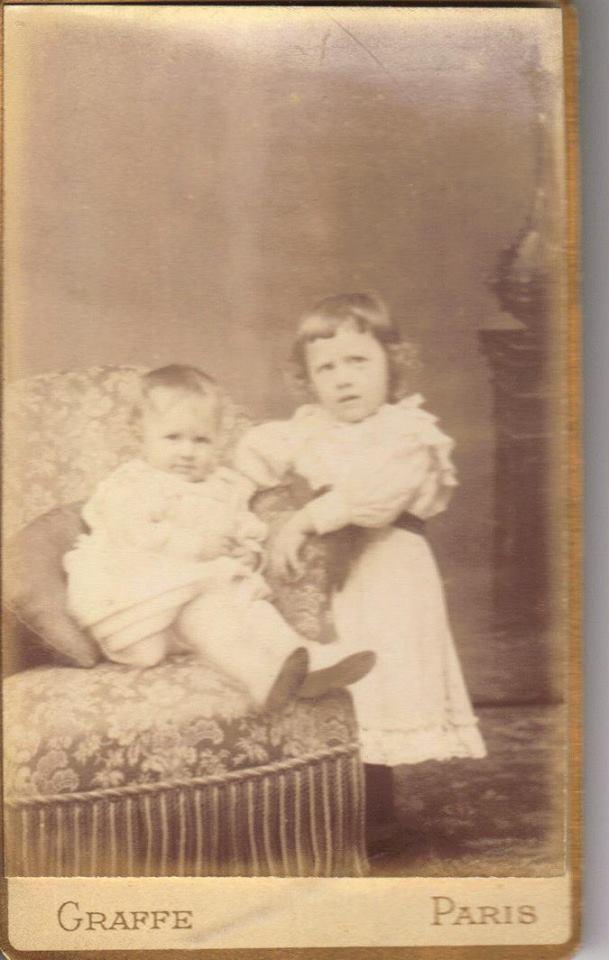 Couples et familles - PIERCON Léon (3 ans) et PIERCON Yvonne (18 mois) - Mon grand père et sa soeur - 1893 (Françoise Lebreton)