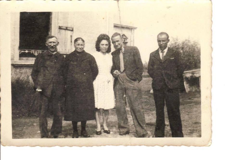 Lavardin - Couples et familles - PIERCON Jane entourée par la famille BLOT - Ma maman - 1938 (Françoise Lebreton)