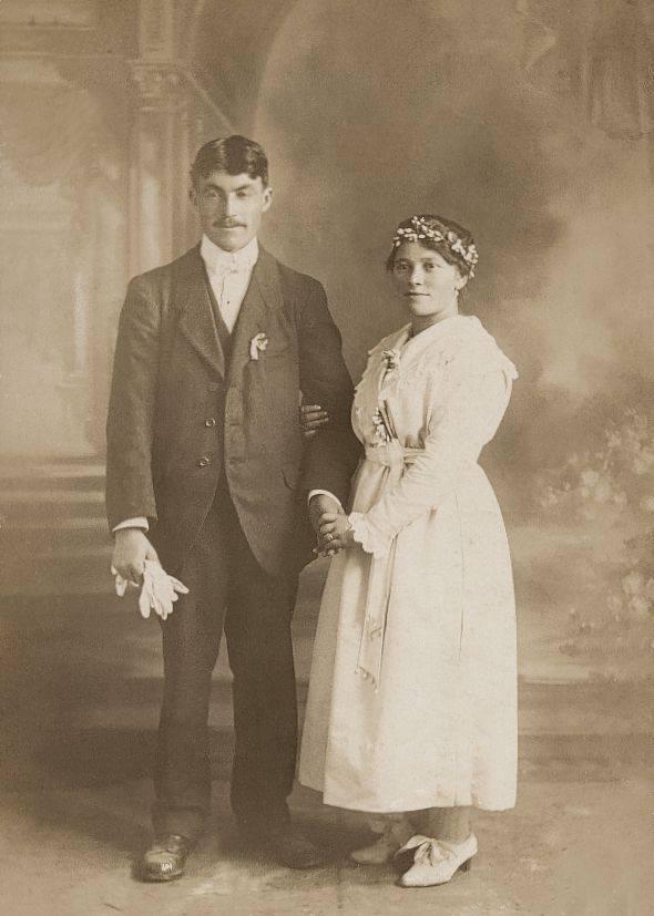 Villaines la Carelle - Couples et familles - BOULAY Ferdinand et GUILBERT Marie - 1919 (Romain Christopher Guillaume Lépine)