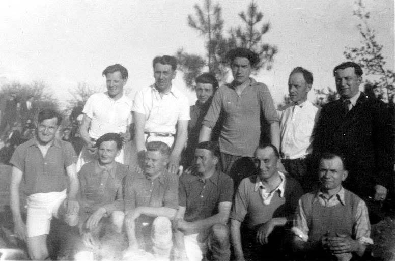 Parigné l'Evêque - Groupes - Loisirs et sports - Equipe de football - Vers 1940 (André Beaumard)