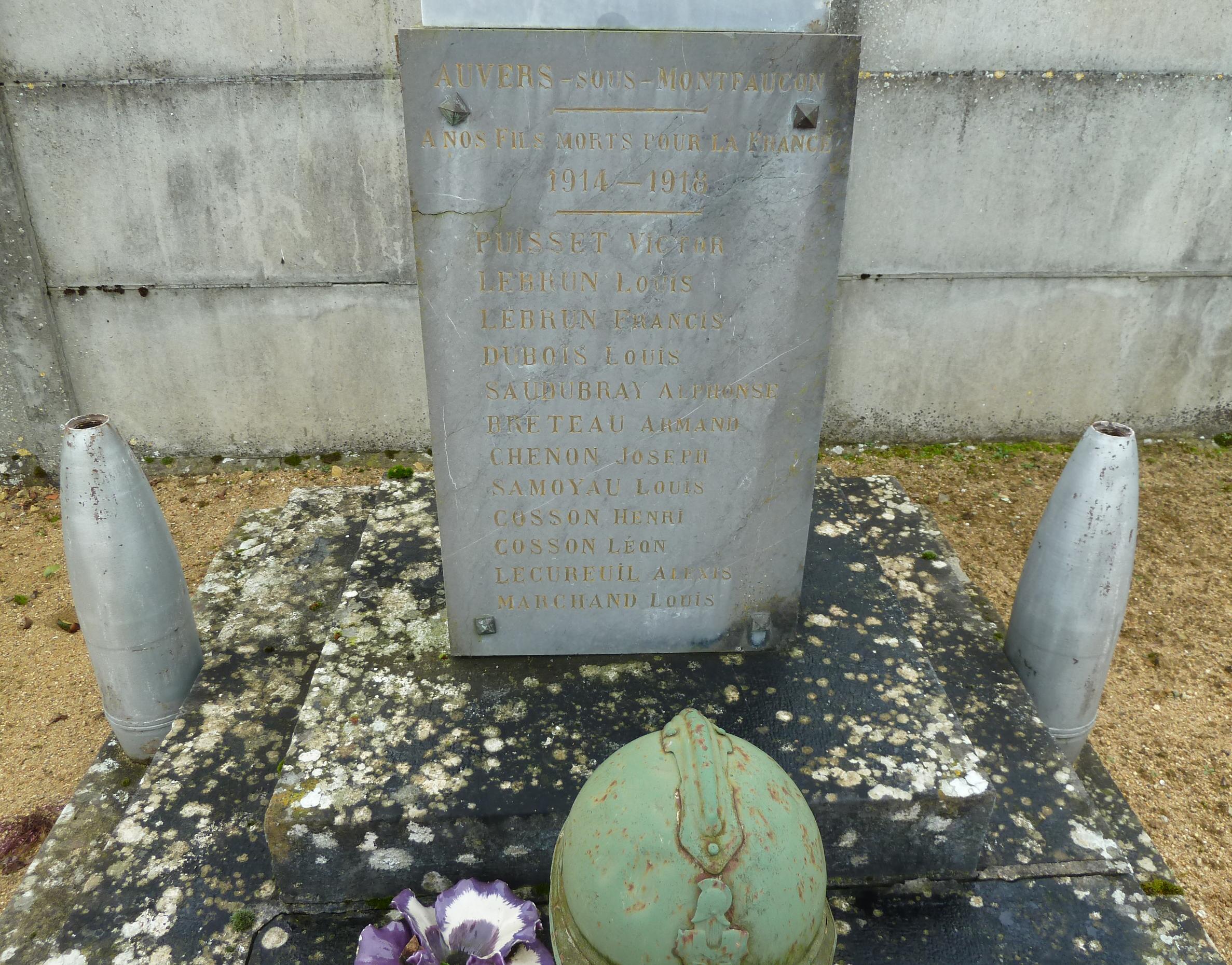 Auvers sous Montfaucon - Monument commémoratif - A nos fils morts pour la France 1914-1918 et 1939-1945 - Vue 03