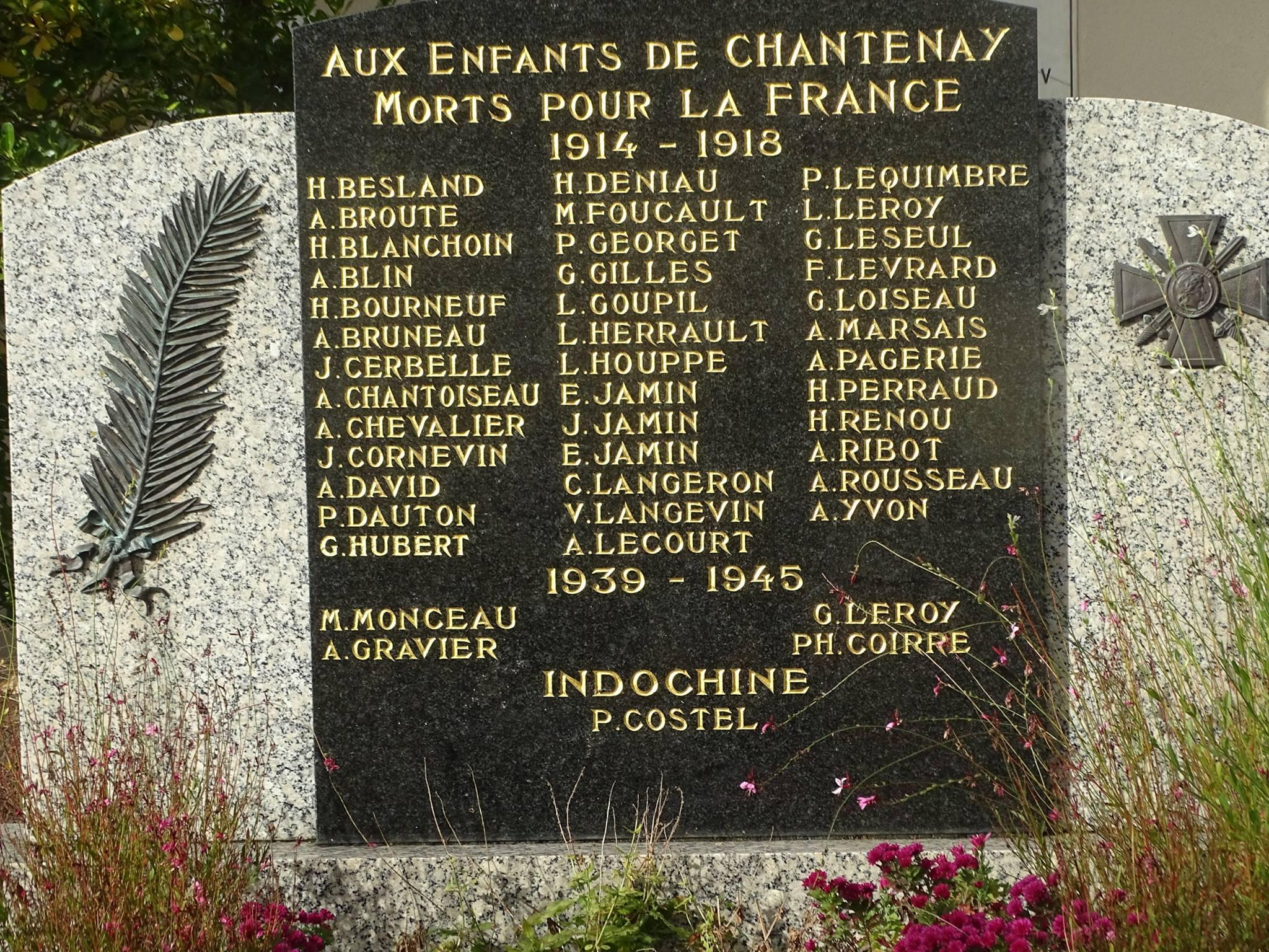 Chantenay Villedieu - Monument commémoratif - Aux enfants de Chantenay morts pour la France 1914-1918 - Vue 02 (Marie-Yvonne Mersanne)