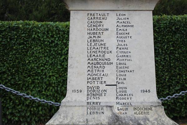 Chemiré le Gaudin - Monument commémoratif - A ses enfants morts pour la France - Vue 02