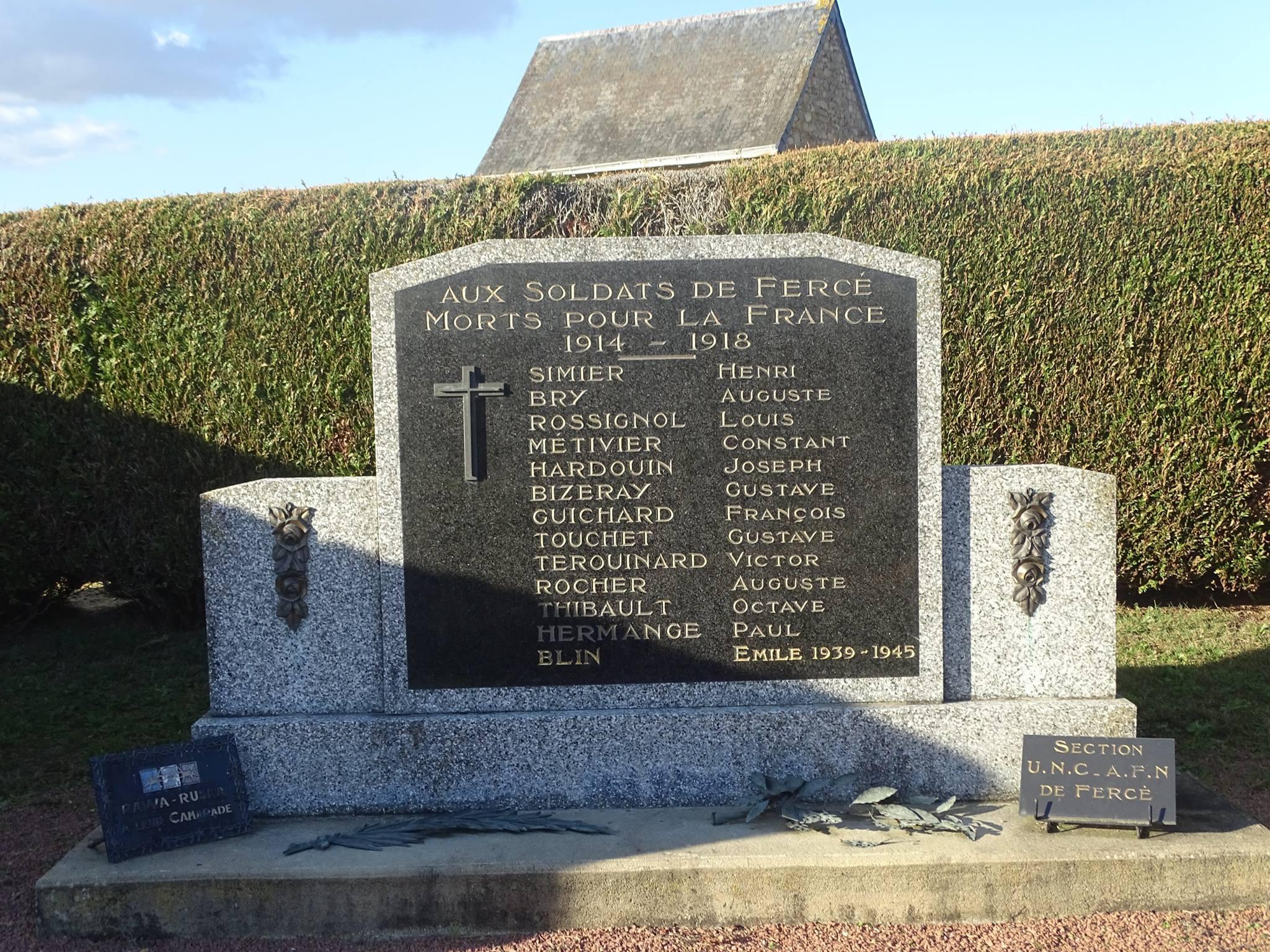 Fercé sur Sarthe - Monument commémoratif - Aux soldats de Fercé morts pour la France 1914-1918 (Marie-Yvonne Mersanne)