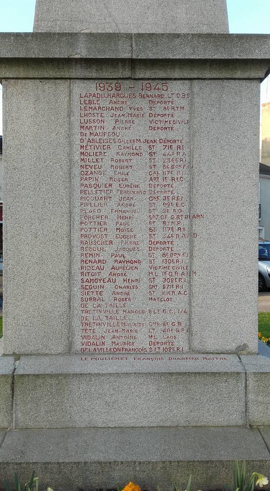 La Flèche - Monument commémoratif - Aux enfants de La Flèche morts pour la France 1914-1918 et 1939-1945 - Face Ouest - Vue 04 (Michel Mimitontonparrain)
