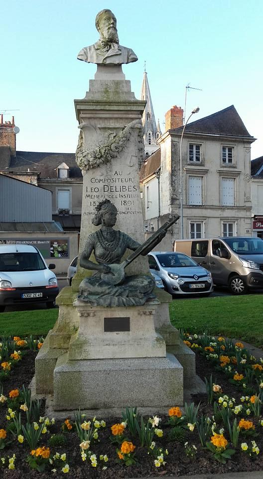 La Flèche - Statue - Au compositeur Léo Delibes (Michel Mimitontonparrain)