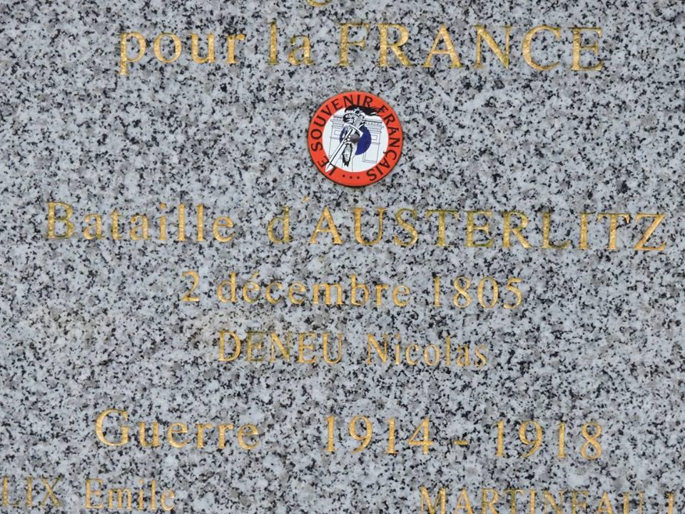 Le Grand Lucé - Monument commémoratif - En hommage à ses morts pour la France Bataille d'Austerlitz, 1914-1918 et 1939-1945 - Vue 02 (Chantale Vieux)