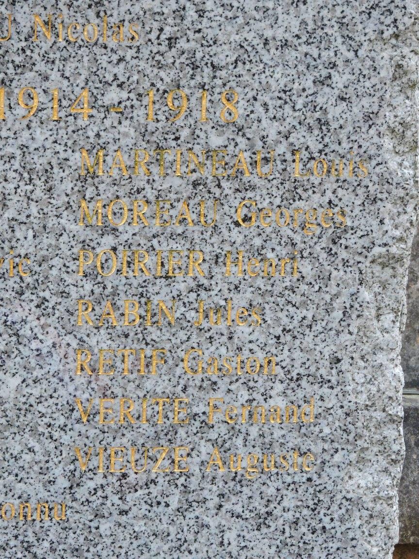 Le Grand Lucé - Monument commémoratif - En hommage à ses morts pour la France Bataille d'Austerlitz, 1914-1918 et 1939-1945 - Vue 04 (Chantale Vieux)