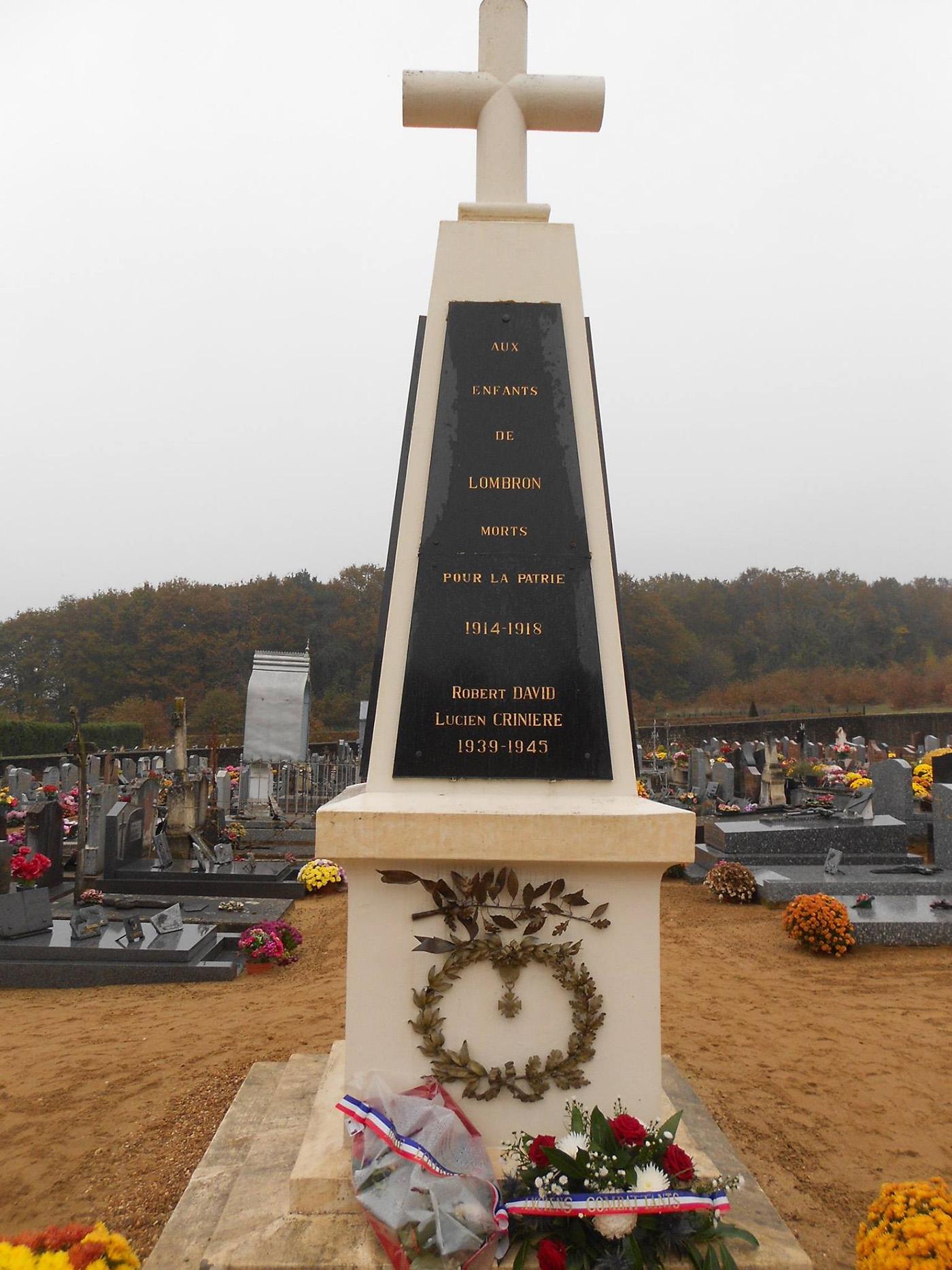Lombron - Monument commémoratif - Aux enfants de Lombron morts pour la patrie 1914-1918 et 1939-1945 - Vue 01 (Romain Christopher Guillaume Lépine)