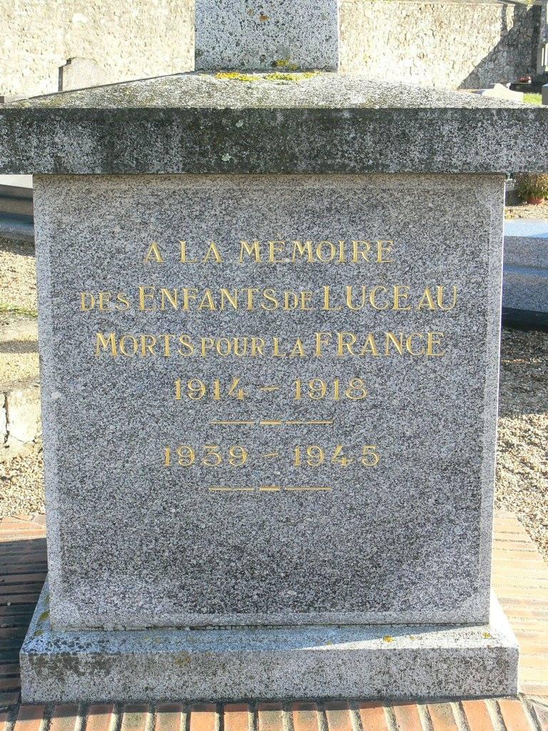 Luceau - Monument commémoratif - A la mémoire des enfants de Luceau morts pour la France 1914-1918 et 1939-1945 - Vue 02 (Chantale Vieux)