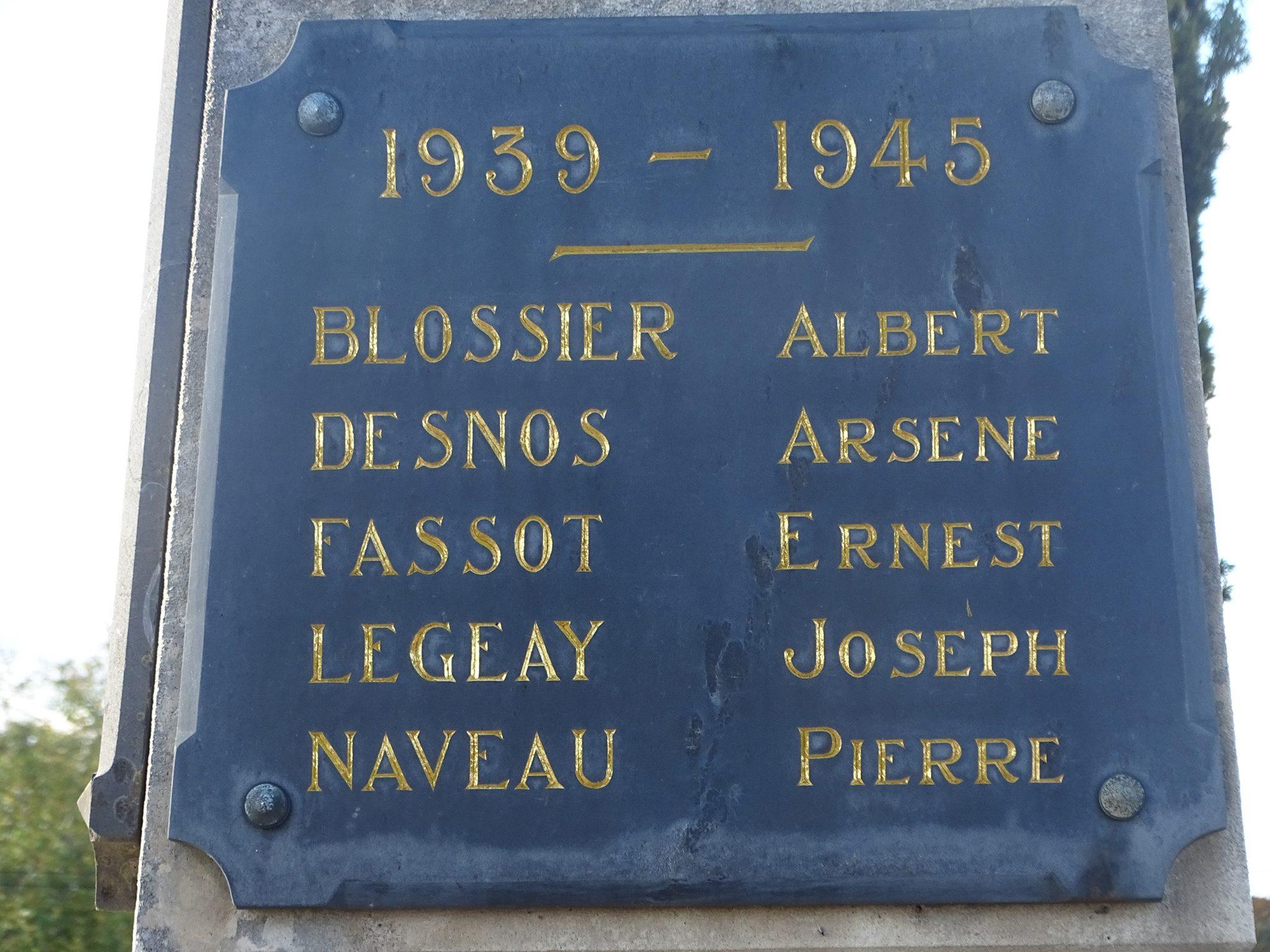 Pirmil - Monument commémoratif - Liste des morts lors de la Guerre 1939-1945 (Marie-Yvonne Mersanne)