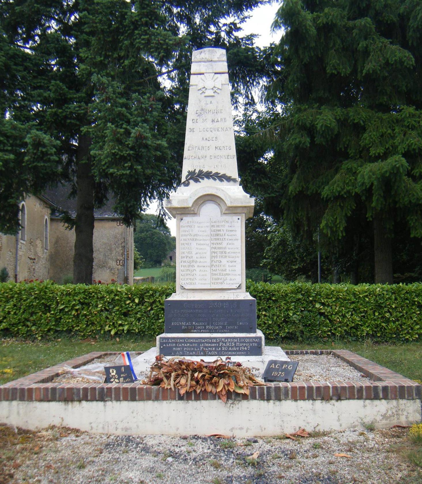 Saint Mars de Locquenay - Monument commémoratif - A ses enfants morts au champ d'hinneur 1914-1918 et 1939-1945 - Vue 01