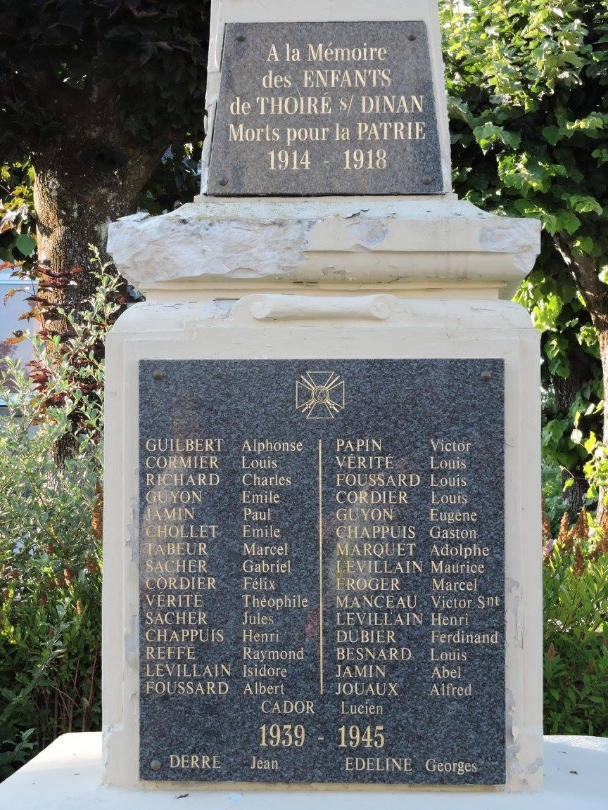 Thoiré sur Dinan - Monument commémoratif - A la mémoire des enfants de Thoiré sous Dinan morts pour la patrie 1914-1918 et 1939-1945 (Chantale Vieux)