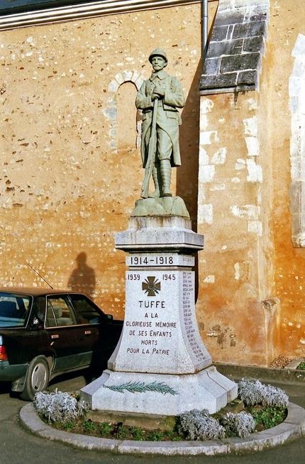 Tuffé - Monument commémoratif - A la glorieuse mémoire de ses enfants morts pour la patrie 1914-1918 et 1939-1945 (Archives départementales de la Sarthe, 2 O 372-9)