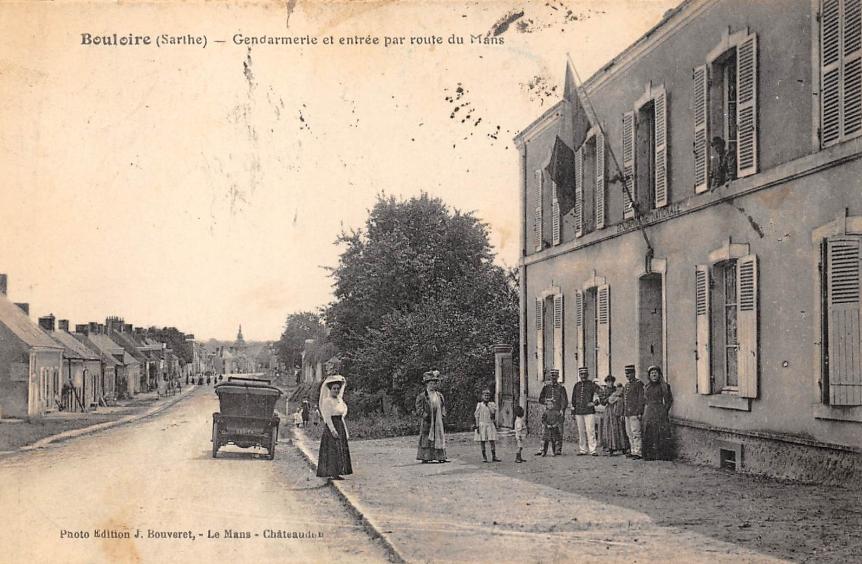 Bouloire - Gendarmerie et entrée par route du Mans