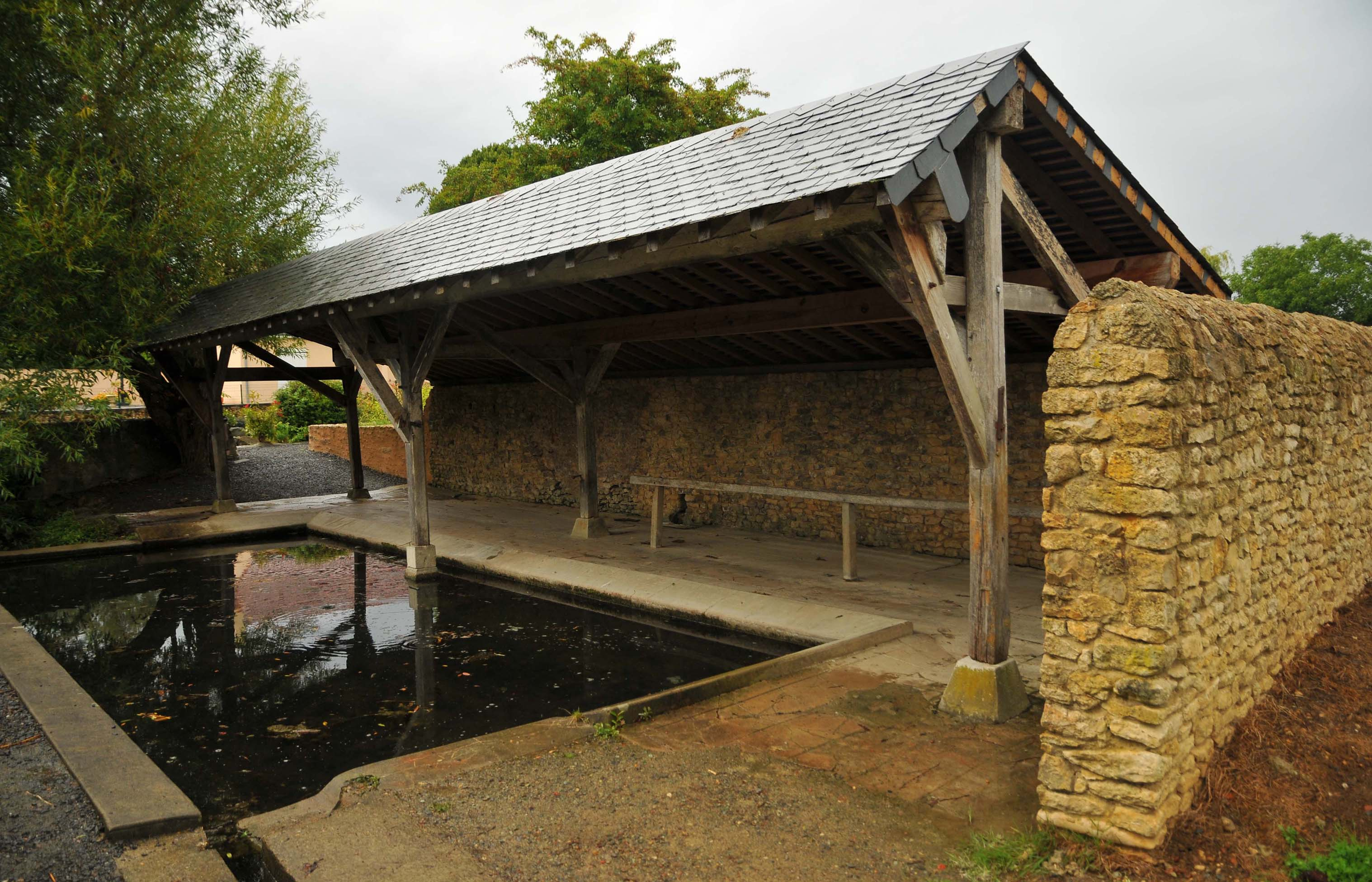 Longnes - Lavoir (Source Internet, guy renouf)