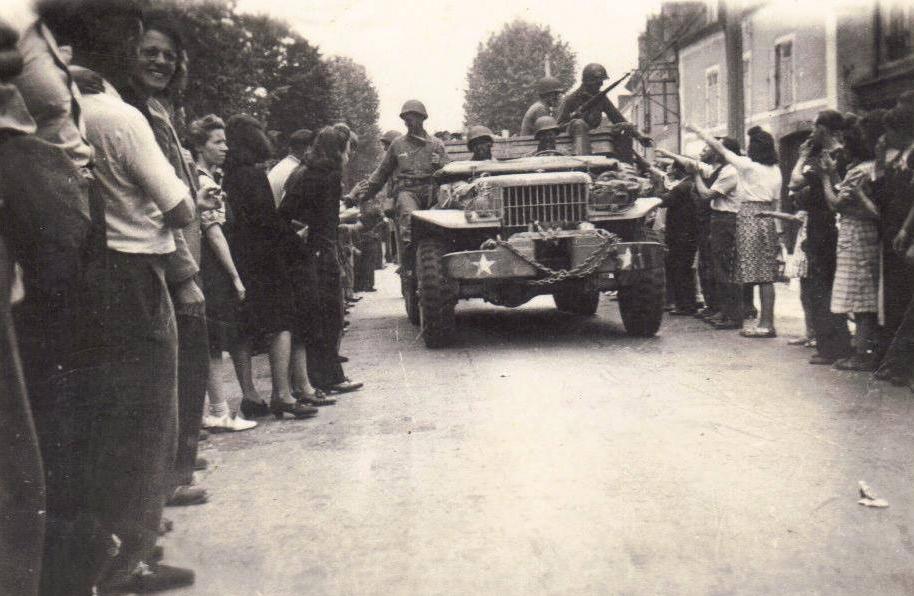 Le Mans - Militaires - Guerre 1939-1945 - La libération - Août 1944 - Vue 02 (Françoise Lebreton)