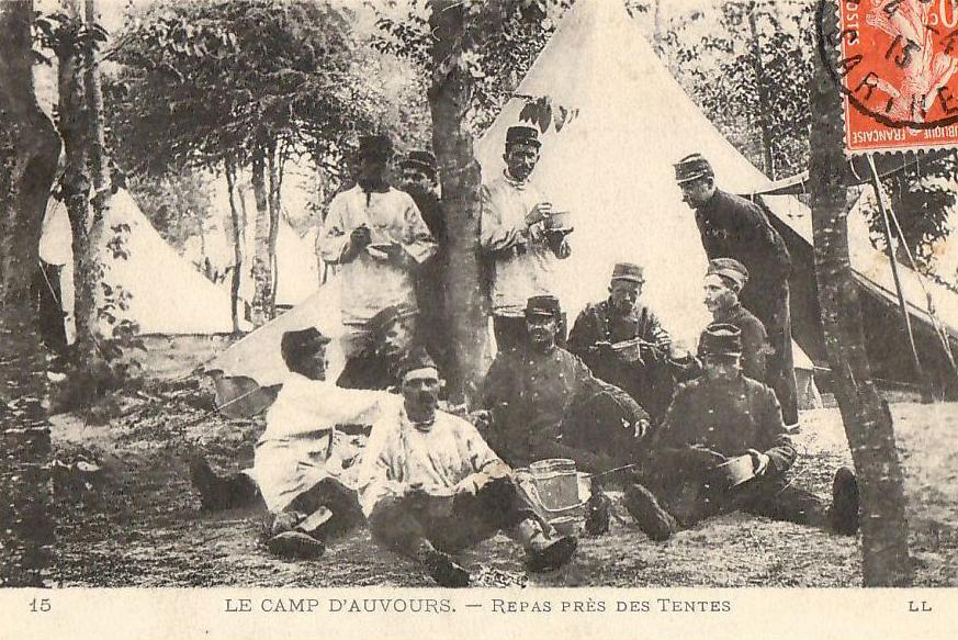 Champagné - Militaires - Casernes - Le camp d'Auvours - Repas près des Tentes