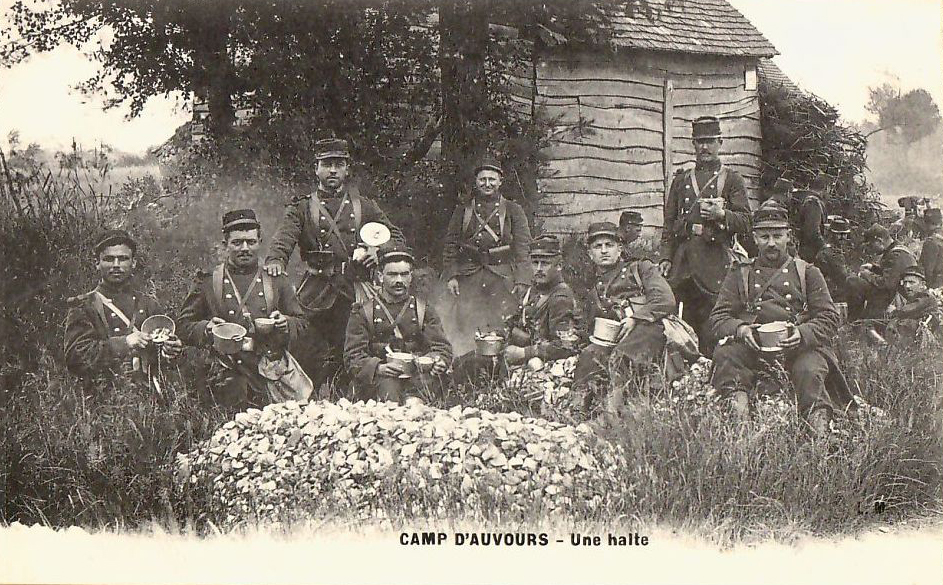 Champagné - Militaires - Casernes - Le camp d'Auvours - Une halte