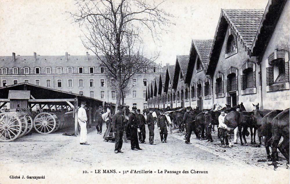 Le Mans - Militaires - Casernes - 31ème d'Artillerie - Pansage des chevaux